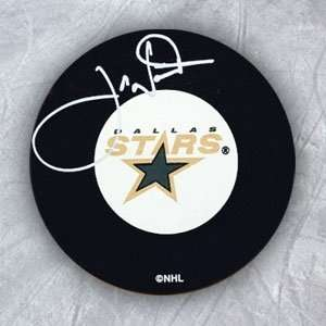 Joe Nieuwendyk Dallas Stars Autographed/Hand Signed Hockey
