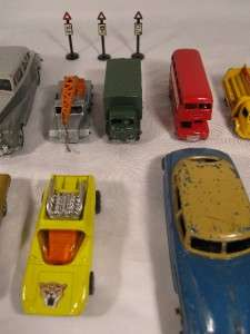 COLLECTION OF VINTAGE LESNEY MATCHBOX DINKY TOY CARS AND ROAD SIGNS