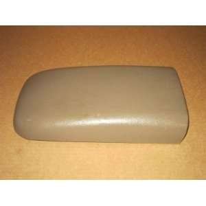 07 CHEVY TRAILBLAZER ENVOY CENTER CONSOLE LID ARM REST TAN (MADDBUYS