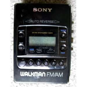 Sony Walkman WM F2081 Radio Cassette Player  Players